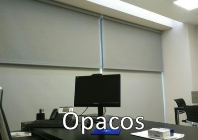 oficina con opacos